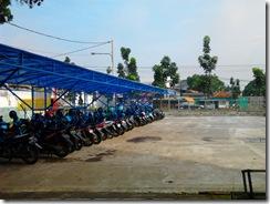 Tempat parkir STFI